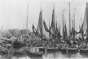 Dutch_fishingboats_1910